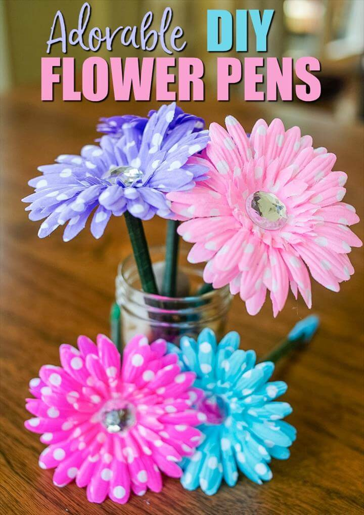 If you ever wanted to know how to make flower pens, look no farther.