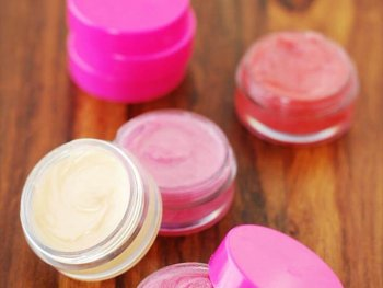 2-ingredient lip gloss, Homemade Peppermint Lip Balm
