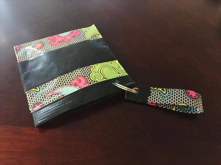 DIY mini Duck Tape coin purse