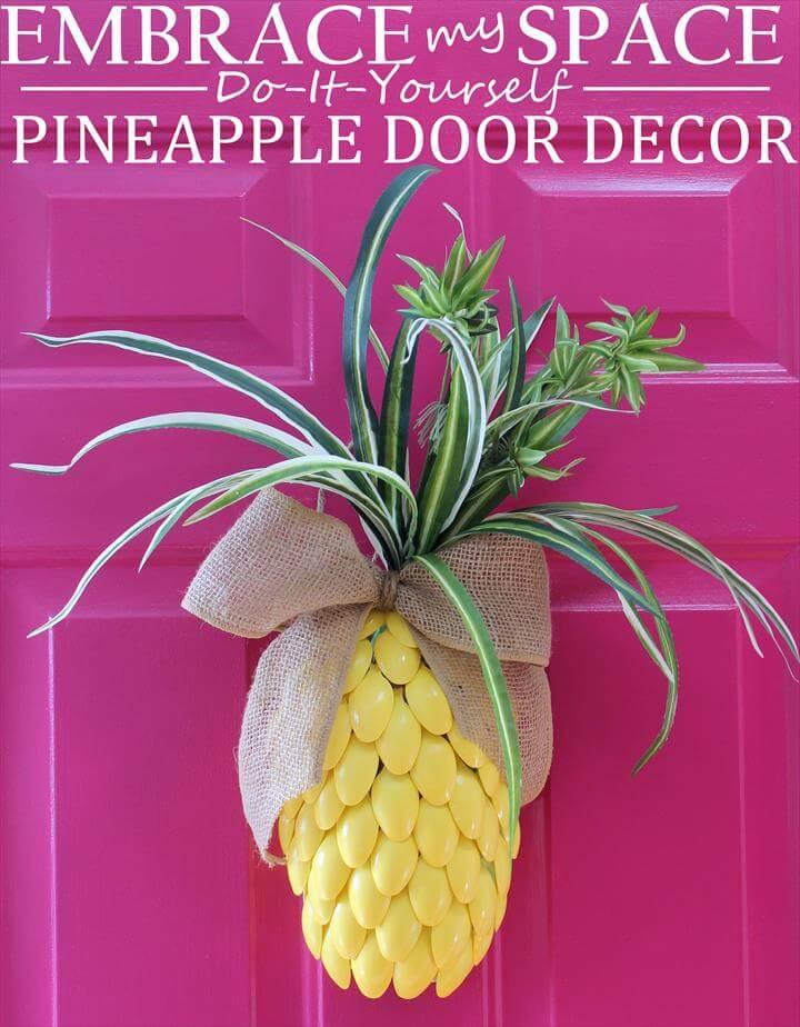 Pineapple Door Decor