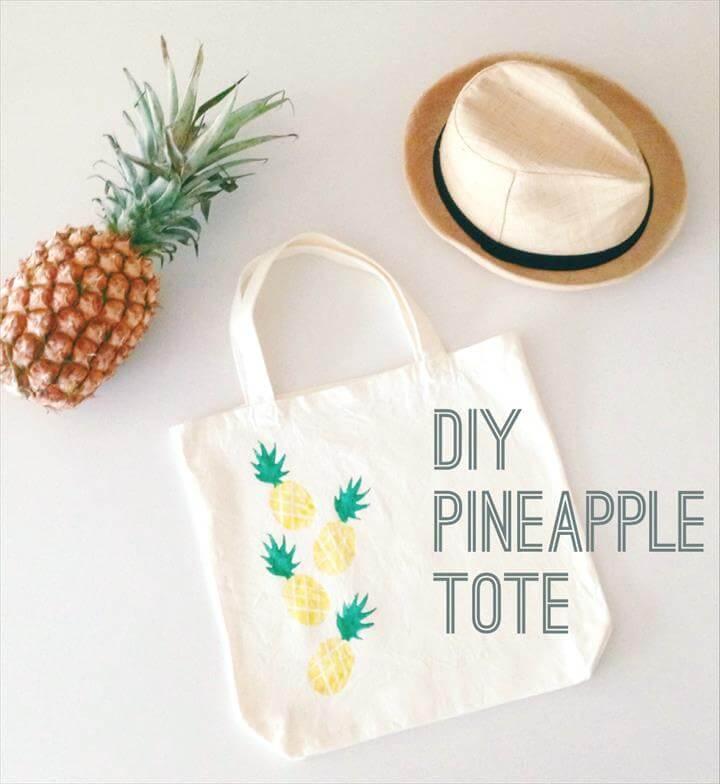 DIY, diy pineapple tote, diy potato stamped tote, diy tote, pineapple, potato stamp, potato stamped pineapple motif, potato-stamped pineapples, tote bag with pineapples, tote bag with pineapples, TOTE BAG, TOTE BAG IDEAS