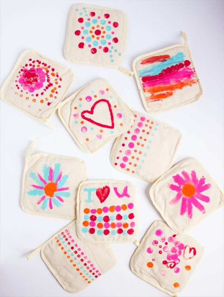 DIY Painted Pot Holders for Mother's Day