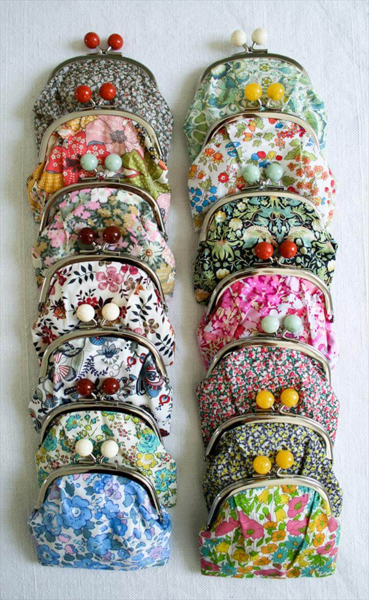 Bead snap purse
