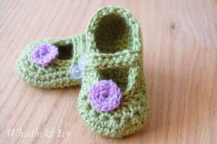 green crochet Mary Janes baby booties