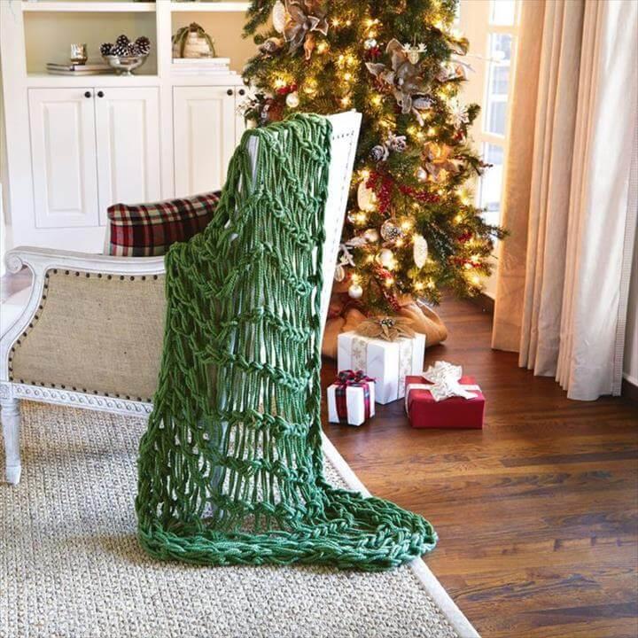 Loose knit blanket