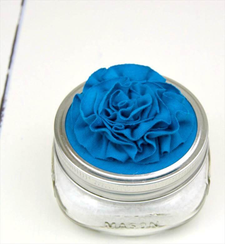 CRAFT LIGHTNING MOTHER'S DAY CRAFTS   DIY BATH SALT SOAK + FLORAL JAR