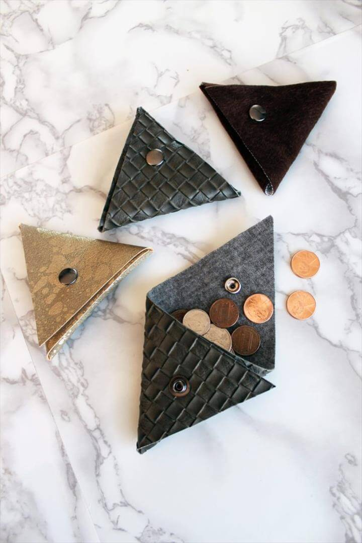 Small Triangle Coin Pouch - FREE Printable pdf Pattern Included