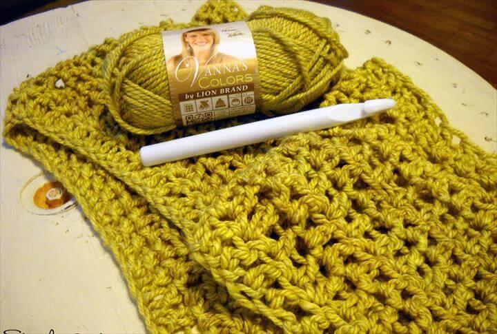 Crochet a Cozy Blanket (For Beginners!)