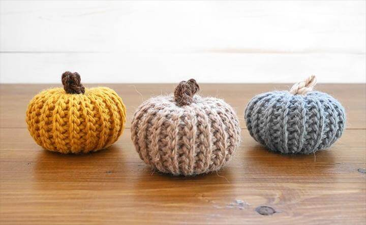Crochet Pumpkins that Look Knit