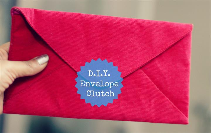Its time again to learn how to make an envelope clutch with this easy DIY!