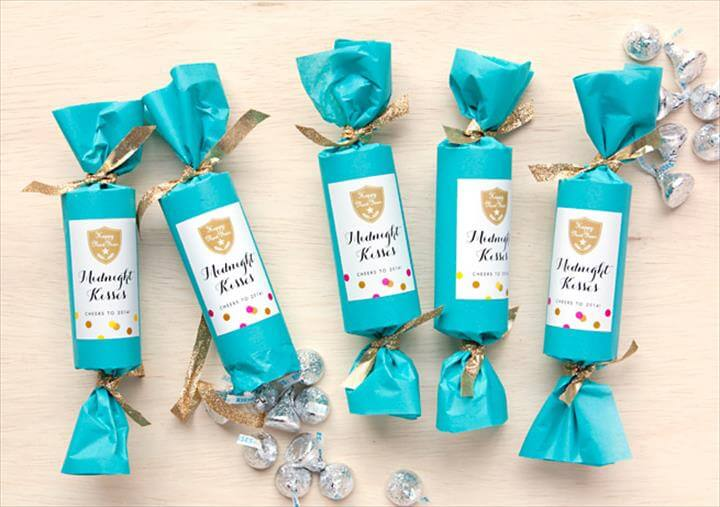 New Year's Eve Party Favor: Midnight Kisses