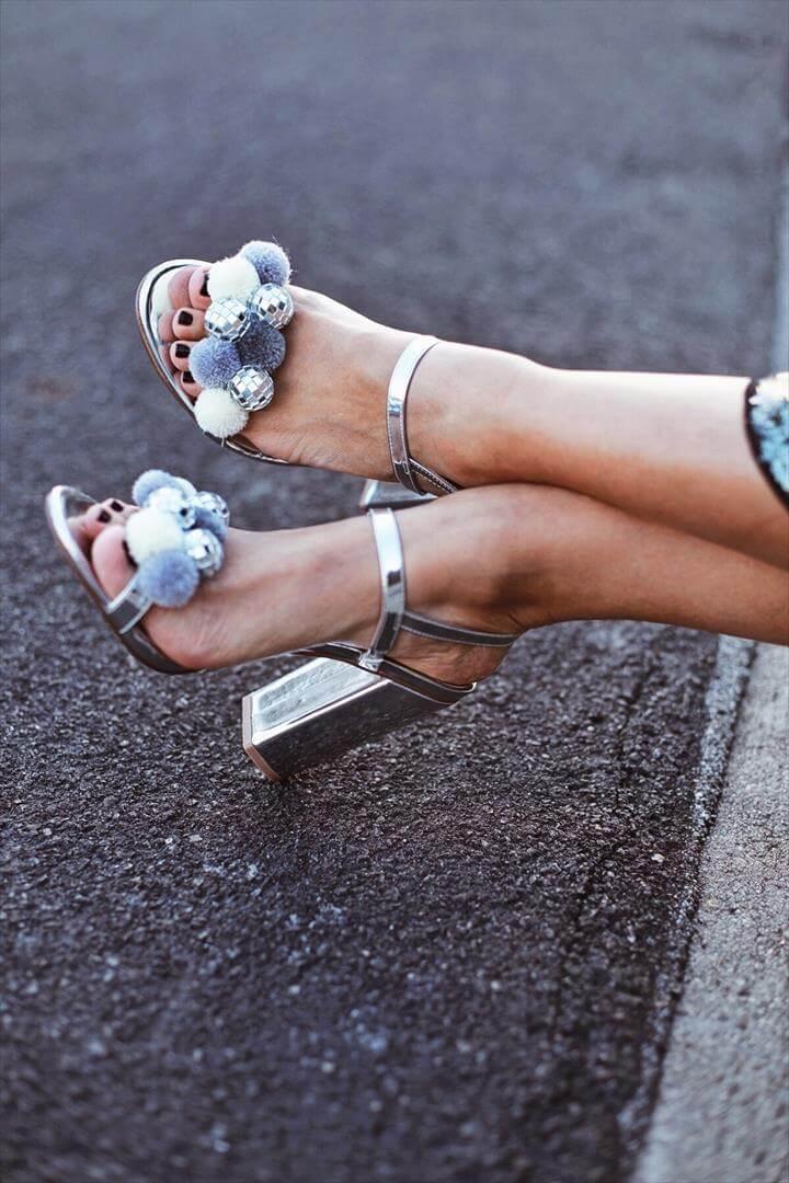 new year craft, new year, pom pom heel