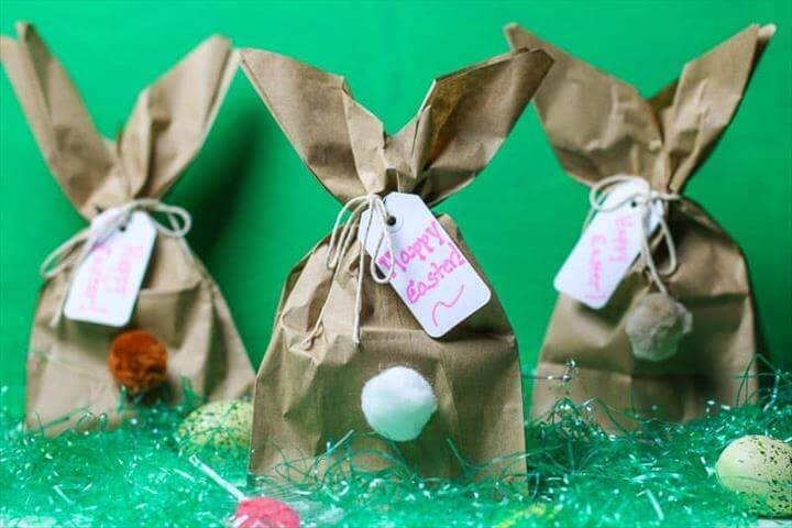 Need a clever, easy Easter Bunny Craft idea? How about making these fun Easy