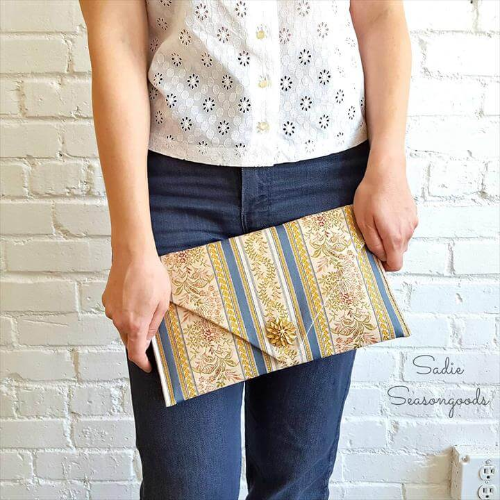 The Clutch Home Runner: Upcycled DIY Handbag