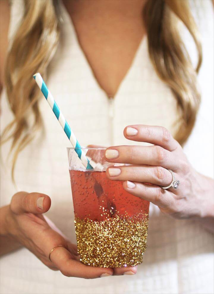 DIY Glitter Dipped Cups, Birthday Party Ideas, 21 Party, Adult Party Ideas, Adult Birthday Ideas, Diy Party Cups, Adult Party Favors, 21st Party Themes, Slumber Party Ideas, Slumber Party Crafts,