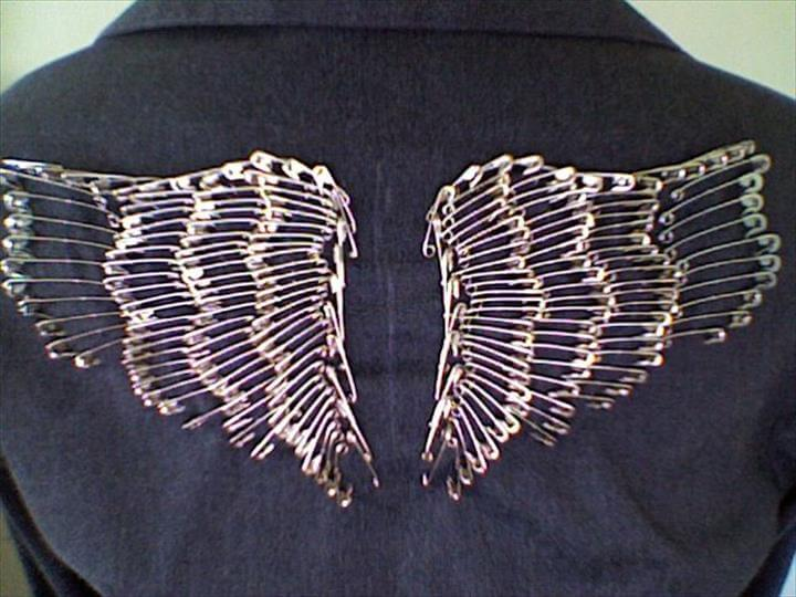 Safety Pin Wings, Safety Pins, Safety Pin Art, Safety Pin Tattoo, Safety Pin Crafts, Safety Pin Jewelry, Wings Diy, Diy Angel Wings, Bat Wings, Metal Wings, Safety Pin Art, Safety Pin Jewelry, Safety Pin Crafts, Diy Jewelry, Safety Pins, Safety Pin Art, Safety Pin Crafts, Safety Pins, Pulls, Safety Pin Art, Safety Pin Crafts, Safety Pins, Studded Denim, Studded Jacket, Pete Wentz, Clothes Crafts, Angel Wings, Cloths, Diy Craft Projects, Diy Crafts, Diy Fashion, Fashion Hacks, Fashion Sewing, Safety Pin Art, Safety Pins, Diy Wings, Stick Pins, Sewing Tools, Bomber Jacket, Diy Clothes, Leather Jacket, Binder Clips, Jewelry Making, Leh, Safety Pin Art, Safety Pins, Karate, Diy Clothes, Angel Wings, Diy Fashion, Fashion Outfits, Fasion, Diy Wings, Diy Fashion, Safety Pins, Safety Pin Art, Safety Pin Crafts, Safety Pin Jewelry, Pins On Jacket, Diy Fashion, Denim Bag Tutorial, Designer Denim Jacket, Denim Jacket Embroidery, Fashion Jewelry, Diy Fashion, Safety Pins, Safety Pin Crafts, Wings Diy, Safety Pin Bracelet, Angel Wings, Diy Couture, Artisanal, Creations,