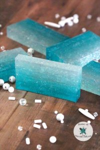 DIY Ombre Soap (DIY Mermaid Soap