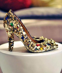 Bling Bling (Jewelry, Clips or Gems), Sequin Shoes, Sparkle Shoes, Embellished Shoes, Sparkly Heels, Glitter Shoes, Gold Diy, Diy Fashion, Diy Clothes, Jimmy Choo,