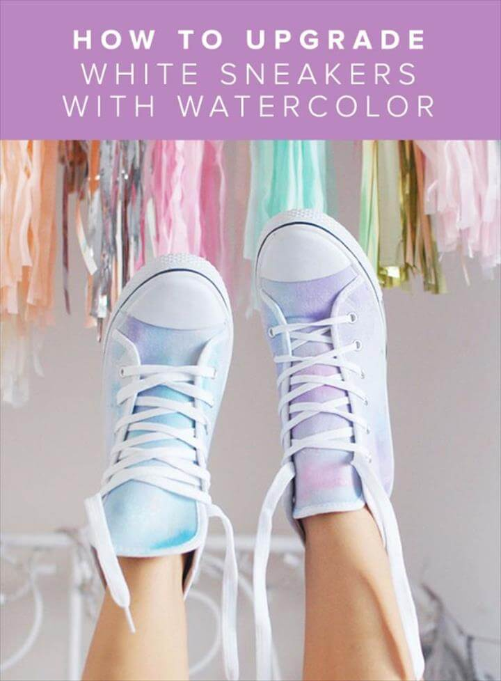 White Sneakers, White Shoes, How To Wear White Converse, Diy Converse, Studded Converse, Shoe Makeover, Diy Clothes Makeover, Shoe Crafts, Diy Crafts