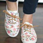 DIY Shoe Makeovers - Iron On Floral Patterned DIY Shoes - Cool Ways to Update, Floral Sneakers, Floral Shoes, Diy Fashion, Fashion Ideas, Designer Shoes, Diy Shoe, Shoe Makeover, Decorated Shoes, Painted Shoes, Diy Crafts, Ideas, Things To Make, Clothes Crafts, Painted Sneakers, Tennis, Needlepoint, Armoire, Flip Flops, Shoe, Fashion StylesFloral Shoes, Floral Vans, Floral Sneakers, White Converse, Diy Converse, Glitter Paint, Look, Sock Shoes, Cute Shoes, Loafers & Slip Ons, Wardrobe Closet, Dressy Flat Shoes, Feminine Style, Tumblr Clothes, Painted Clothes, Custom Shoes, Converse Shoes, Embroidered Clothes, Cute Clothes, Ankle Boots,