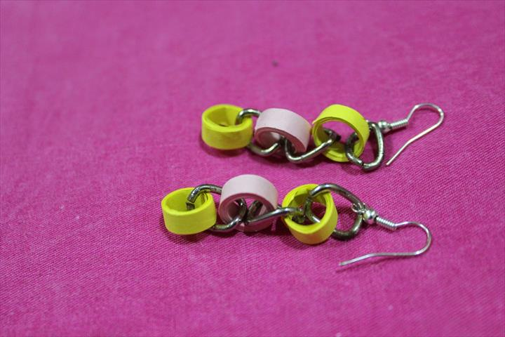 DIY Easy earrings from paper quilling