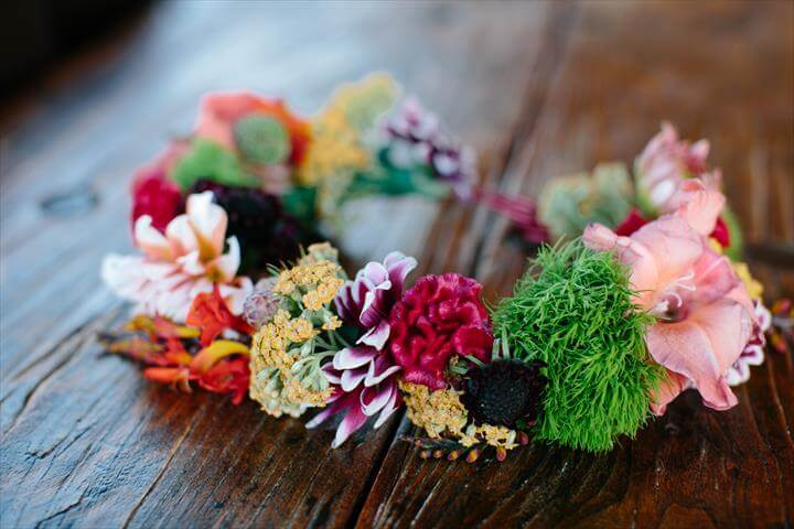 Easy And Stylish DIY Flower Crown Tutorial