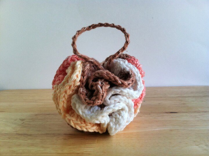 free pattern: crochet bath pouf