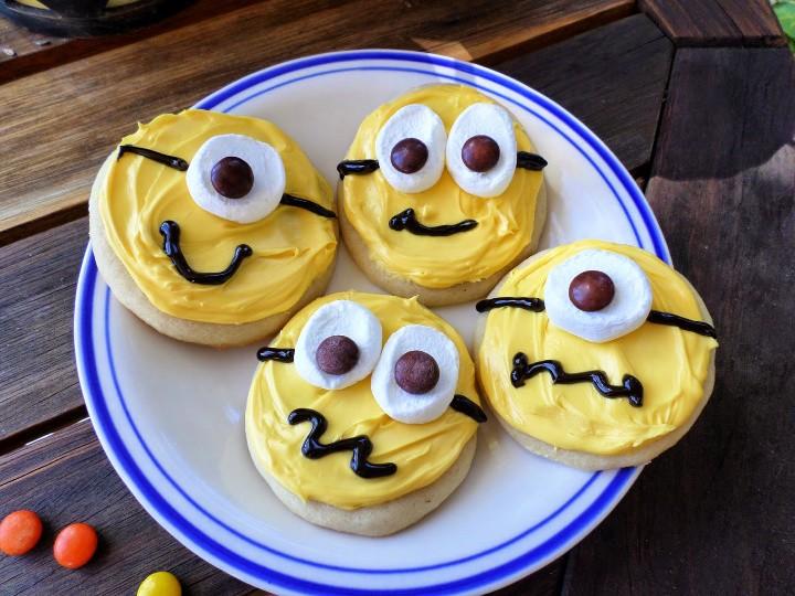 DIY Easy Minions Cookies