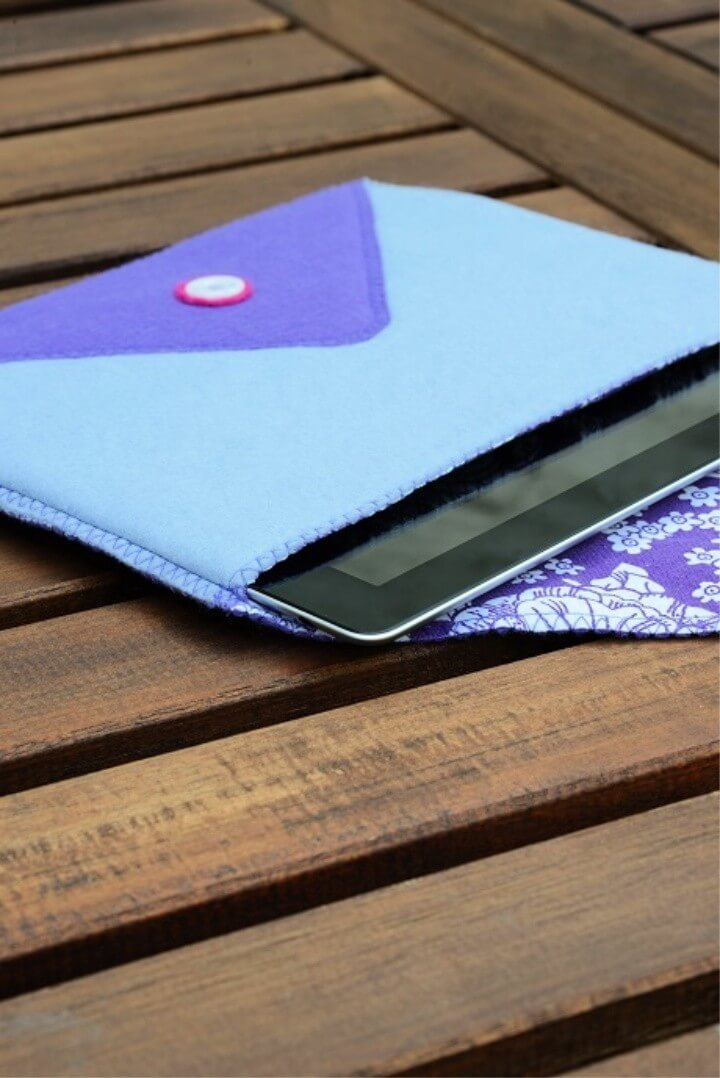 DIY two colro felt tablet case