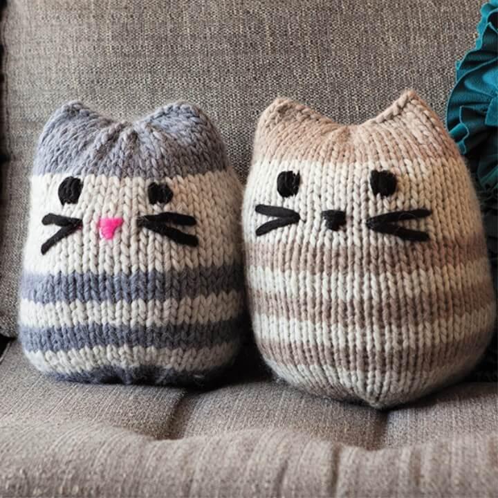 Free Mini Kitty Pouf Pattern